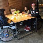 ビップ席も車椅子でスイスイ