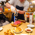 炙り肉寿司 店員さんが目の前で!