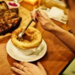 オニオンスープパイ包み焼き 850円