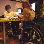 車椅子でも使いやすい高さのテーブル席になってます!